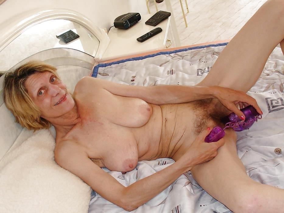 Skinny naked older women-1881