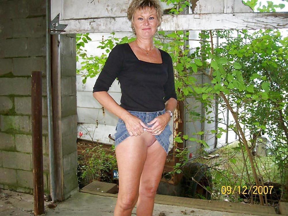 Mature skirt galleries-6818