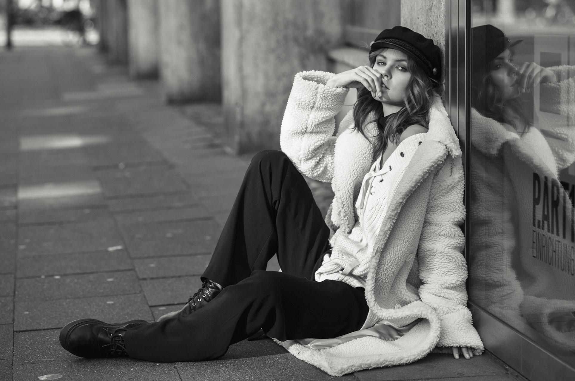 Анастасия Щеглова на улицах Кельна / фото 01