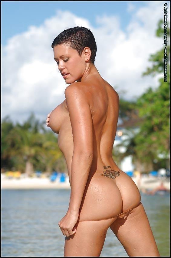 Beautiful fit naked women-3232