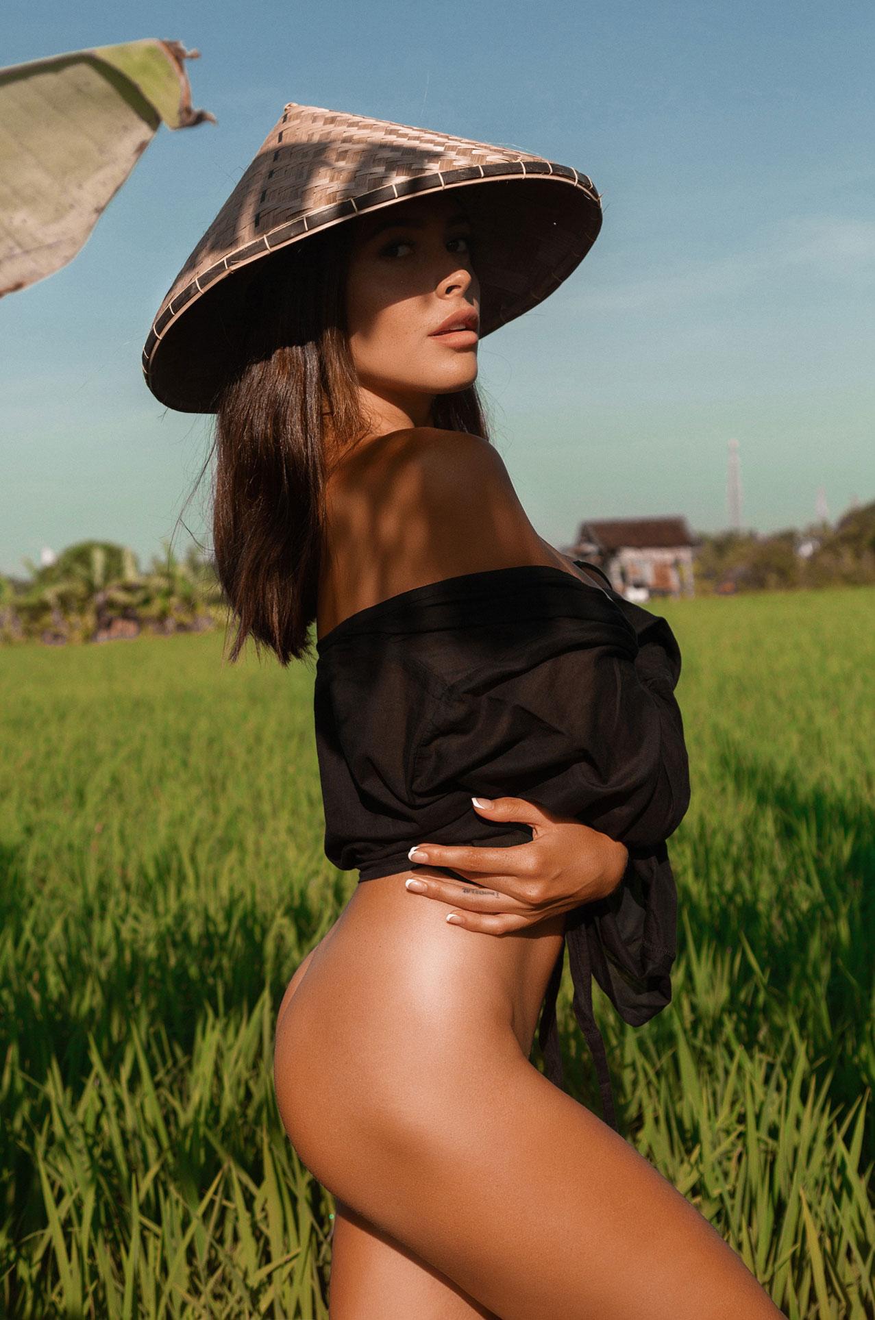 Ксения Мио во вьетнамском поле, фотограф Светлана Никонова / фото 08