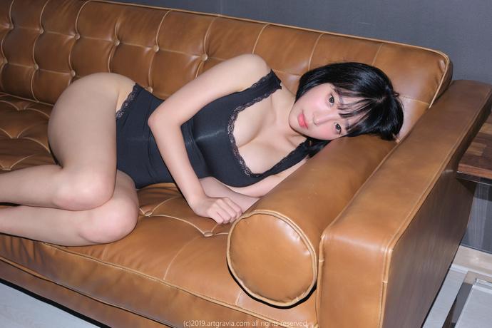 ARTGRAVIA(姜仁卿 )-浑圆饱满的小姐姐的室内和室外内衣
