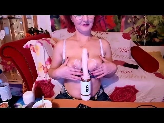 Free live granny cams-8561