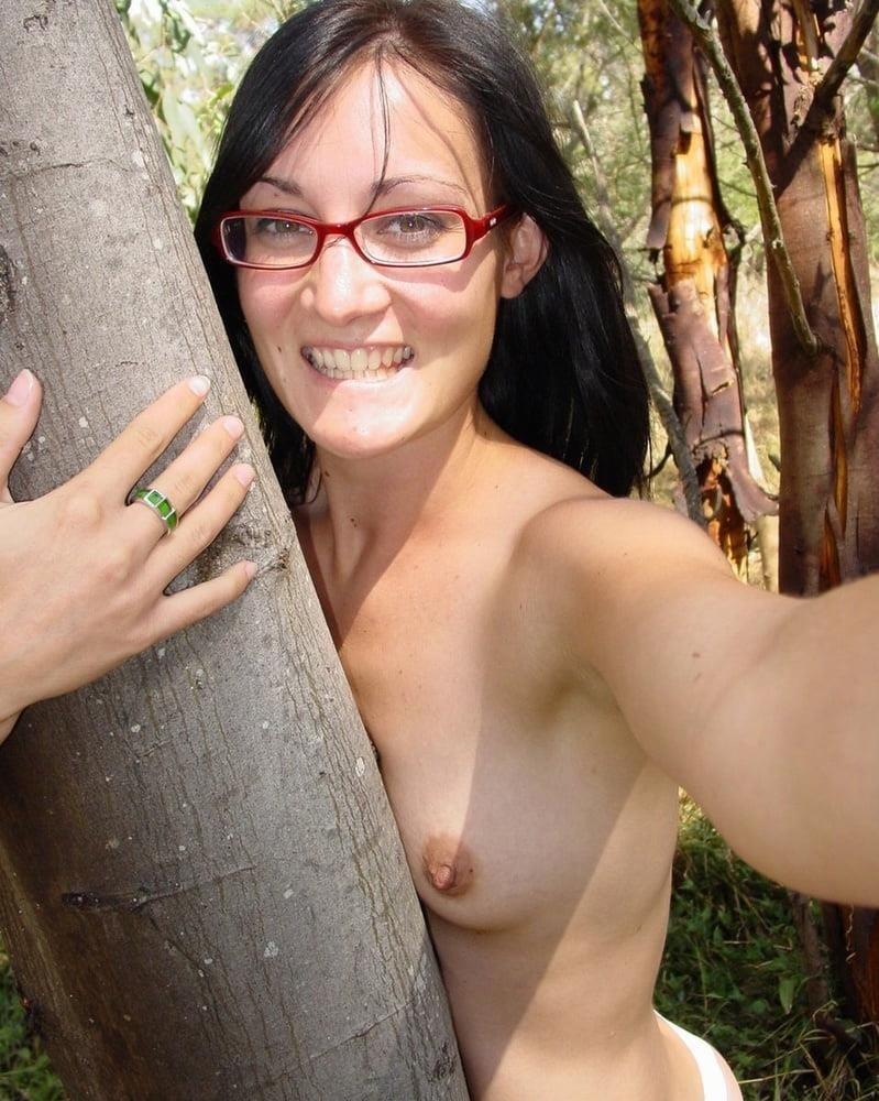 Naked girl taking selfie-2262