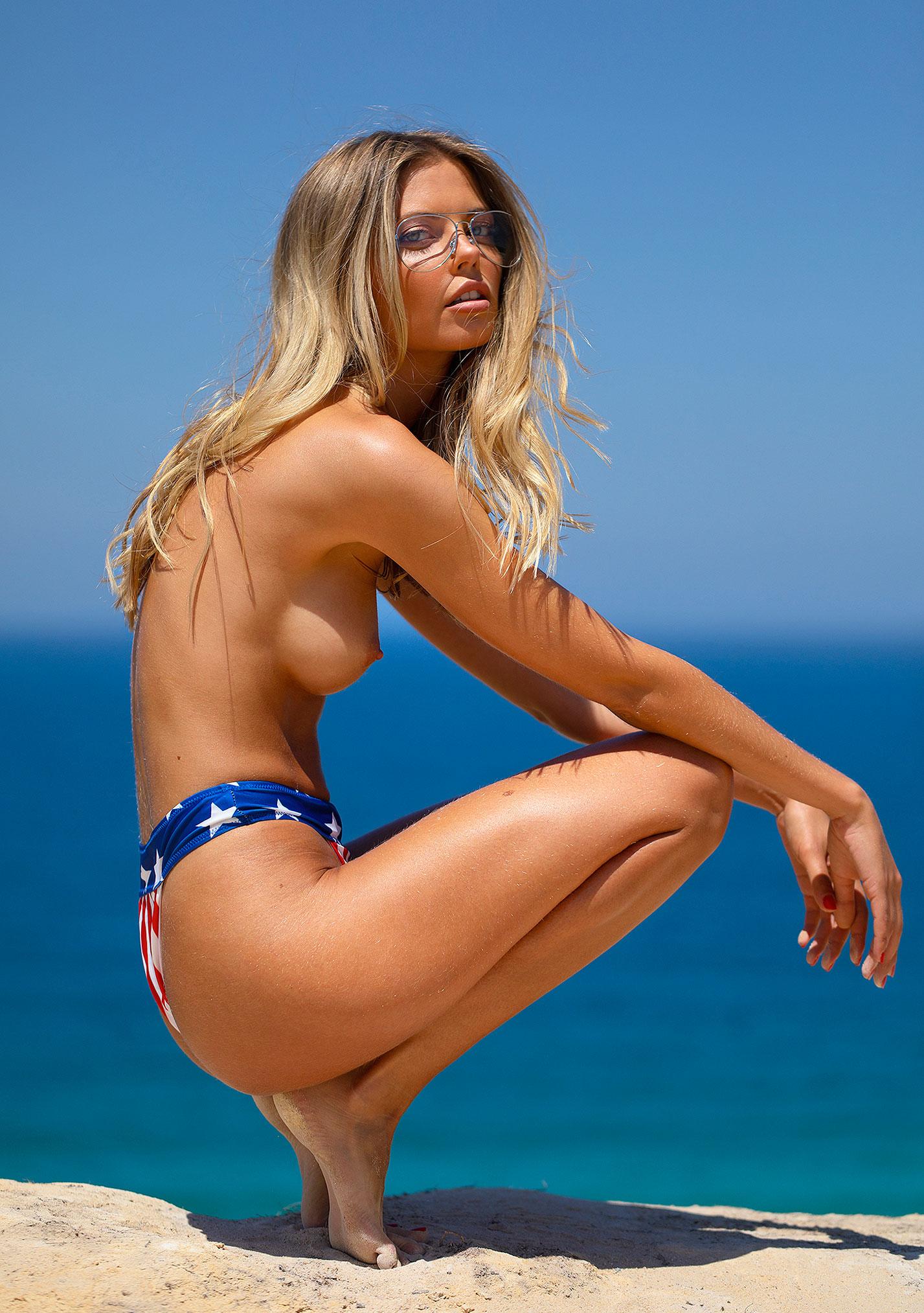 Девушка месяца Алина Бойко, Playboy Нидерланды август 2020 / фото 12