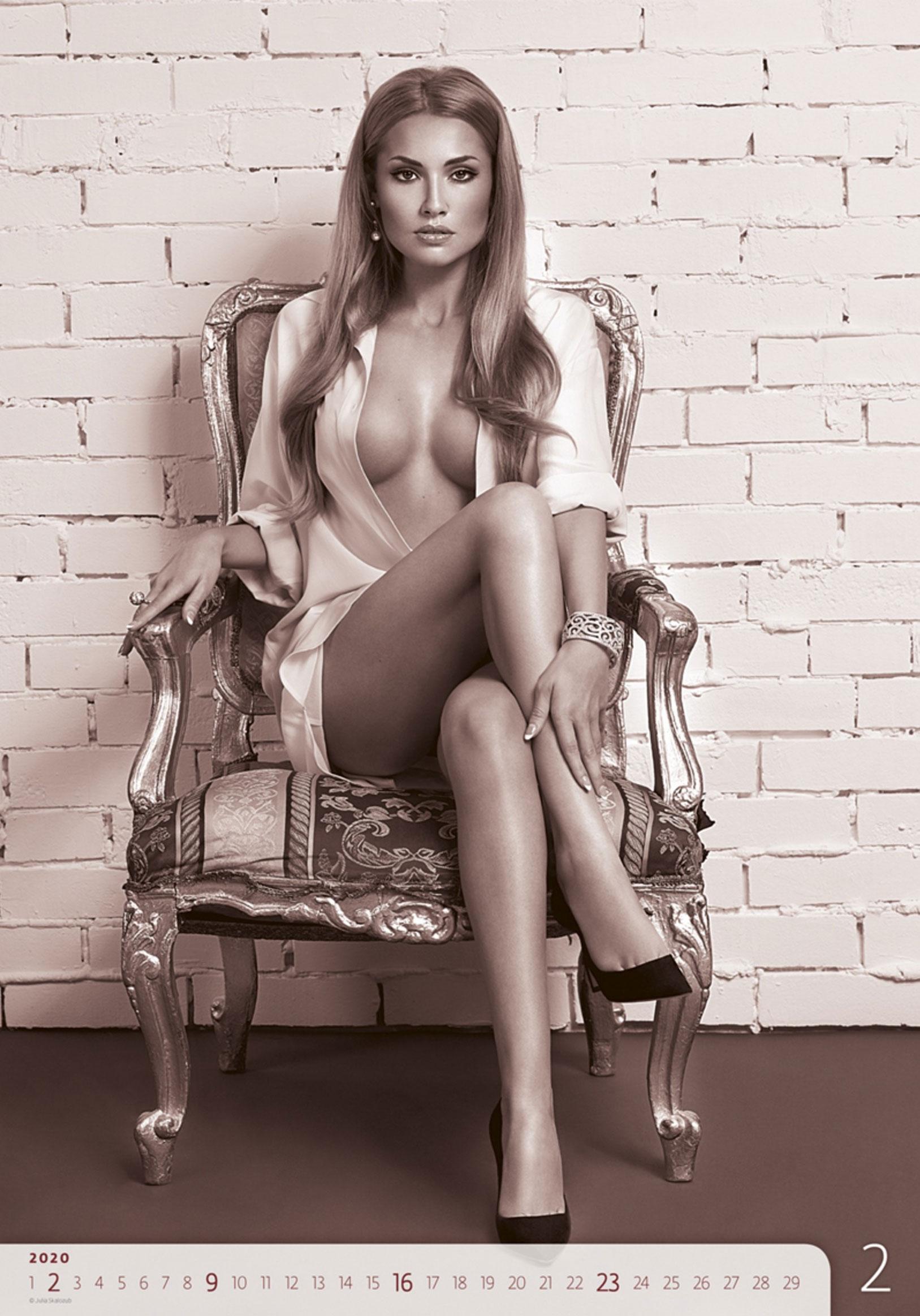 Сексуальные голые девушки в календаре на 2020 год, фотограф Юлия Скалозуб / февраль