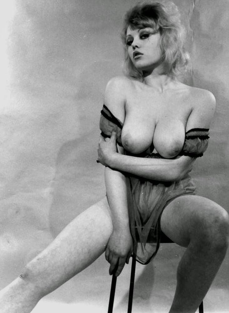 Big boobs model photo-3180