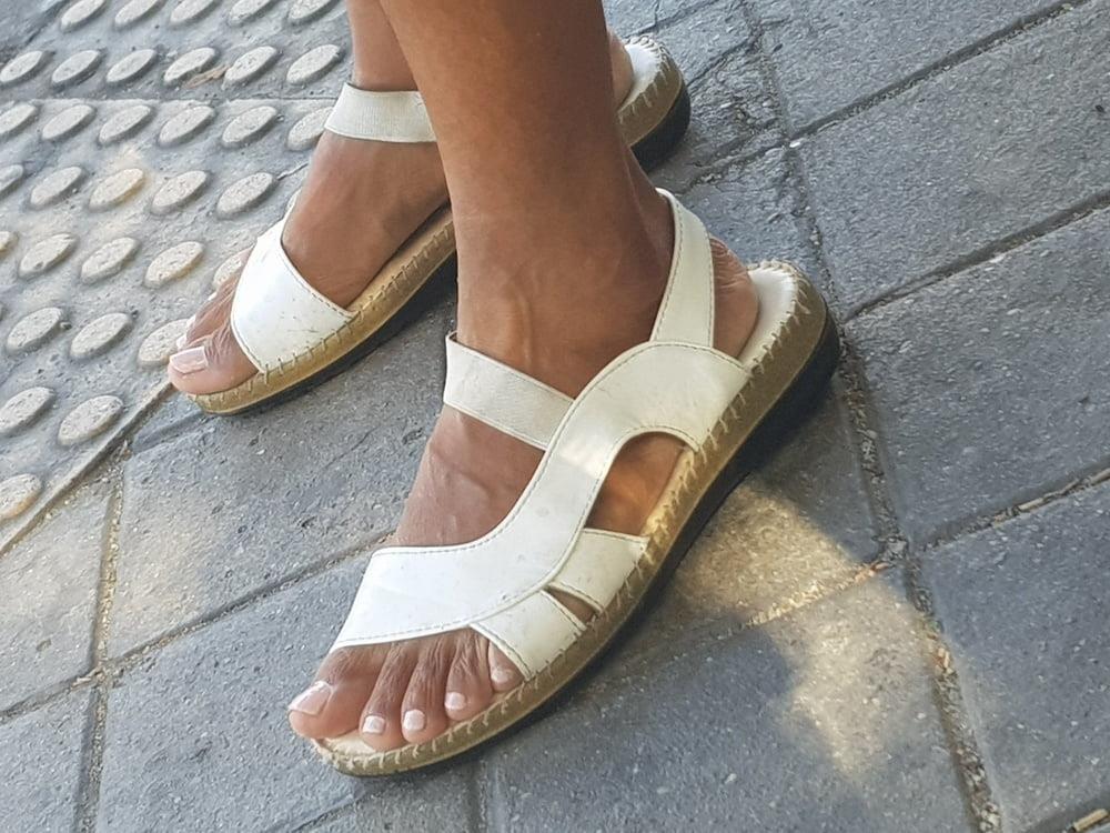 Black mom feet porn-7411