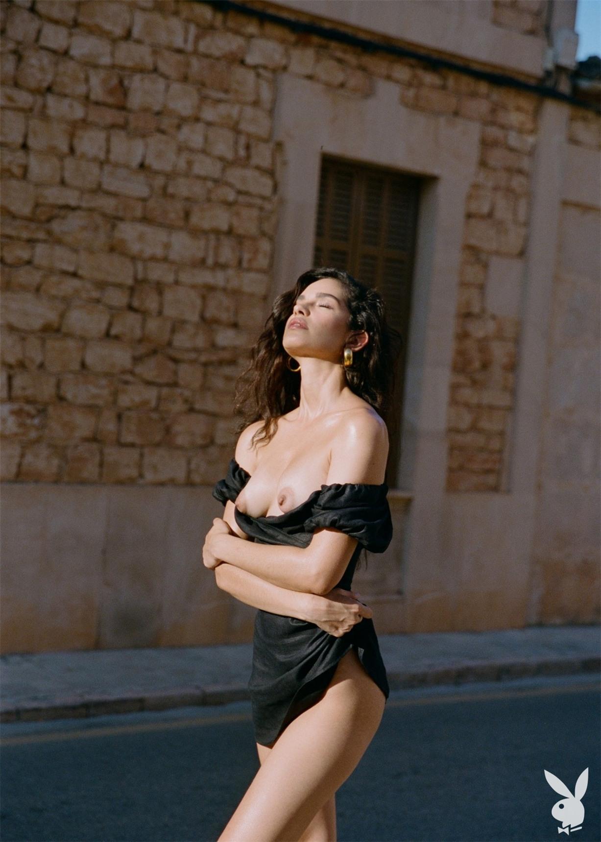 Путешествие по Европе сексуальной Хильды Диас Пиментель - Девушки месяца американского Плейбой, октябрь 2019 / фото 34