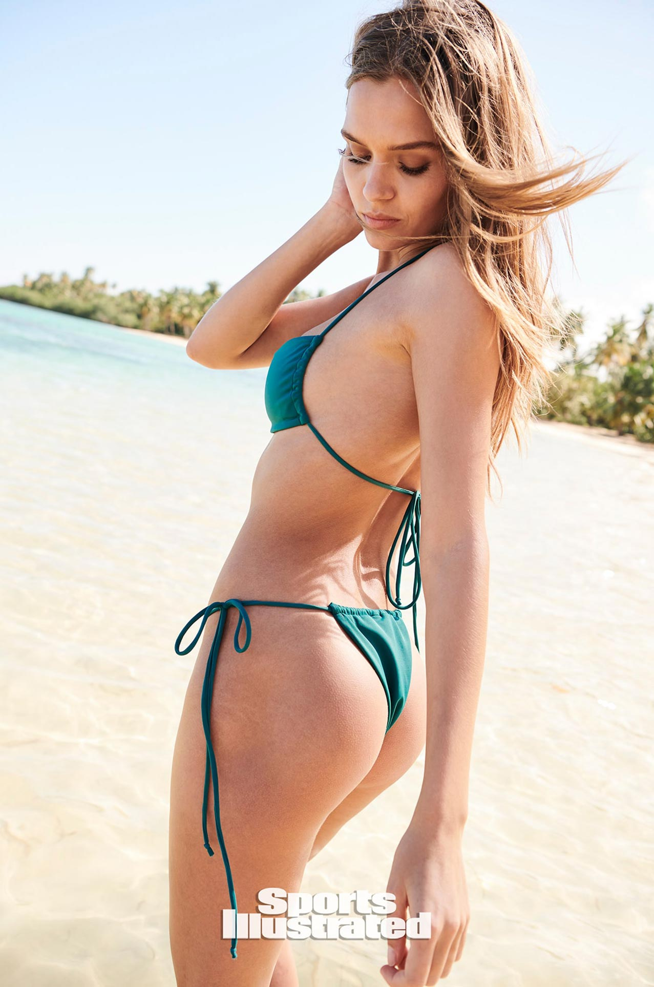 Жозефин Скривер в каталоге купальников Sports Illustrated Swimsuit 2020 / фото 05