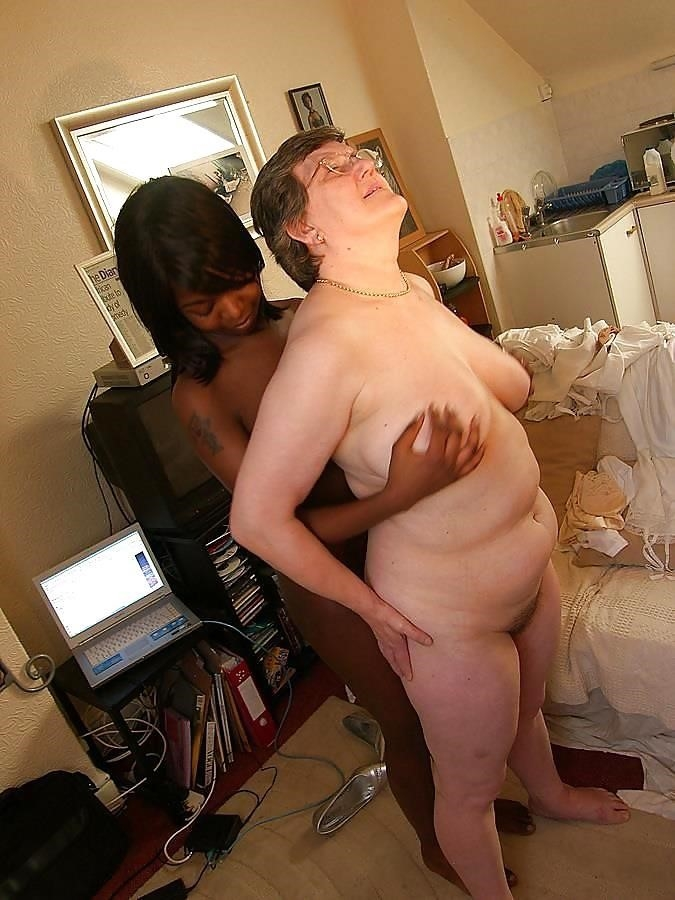 Old white guy young black girl-3159