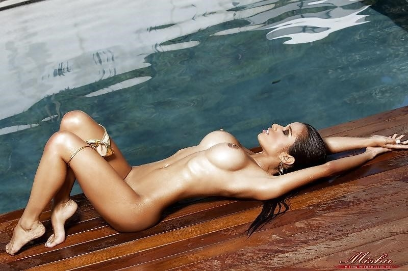 Lupe fuentes feet-9097