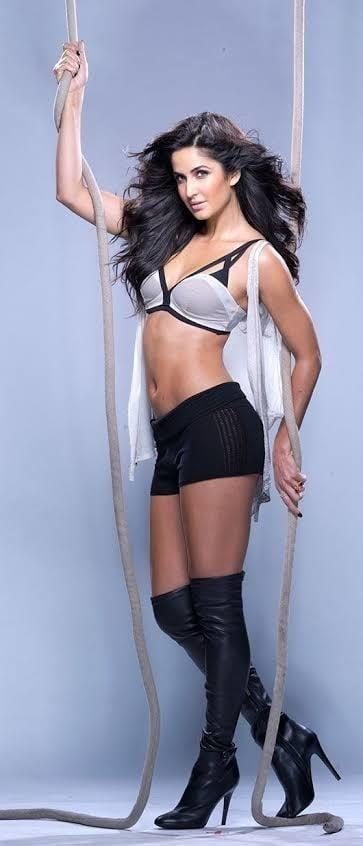 Katrina kaif sexy big boobs-7537