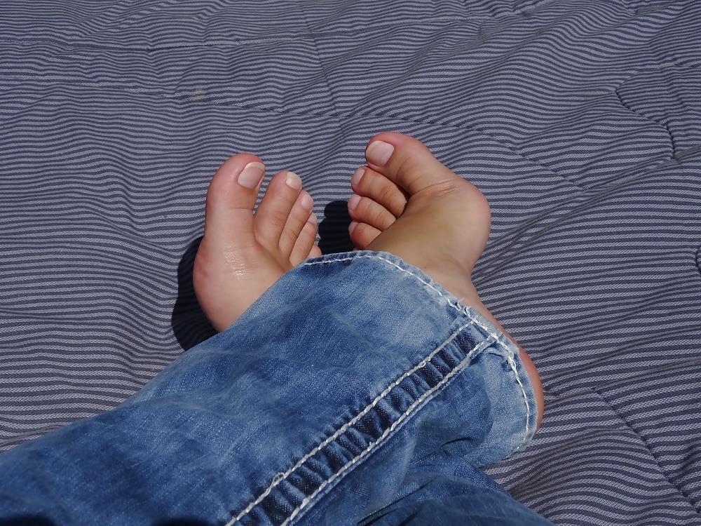Sniffing feet fetish-5372