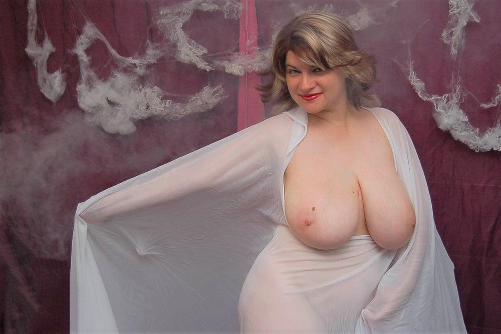 Big tit mature naked-5640