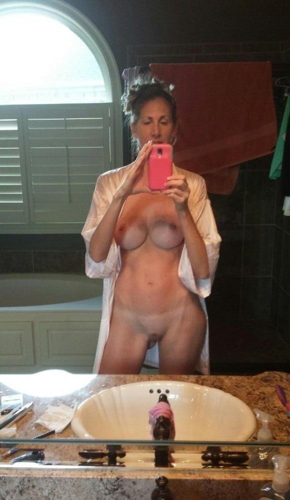 Mature moms selfies-3544