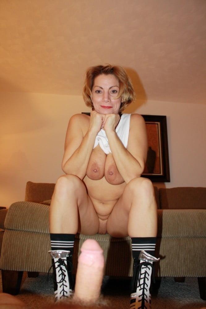 Nude cheerleader selfie-5778