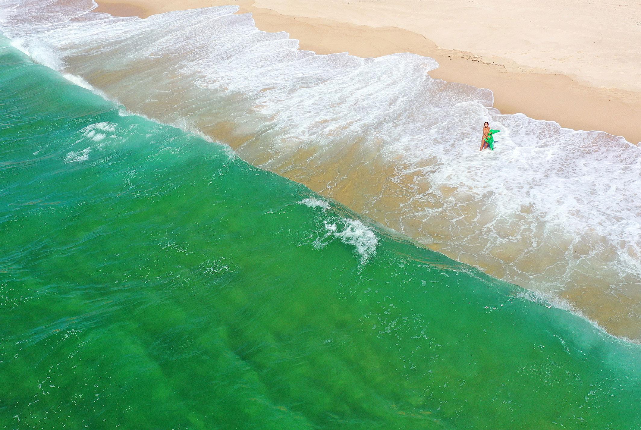 Сексуальная голая Наталья Андреева под жарким солнцем на диком пляже в Португалии / фото 08