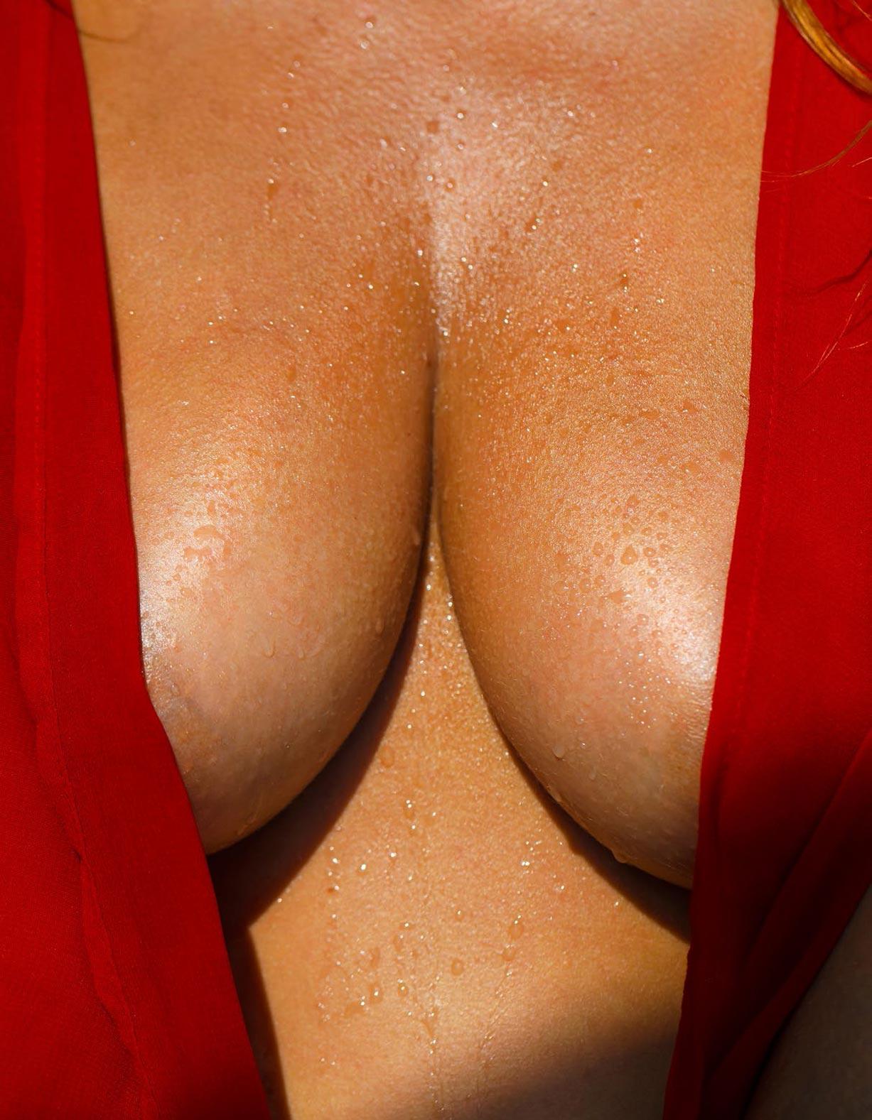 Стелла Тиана Стегманн в спецвыпуске журнала Playboy -Девушки летом- / фото 01