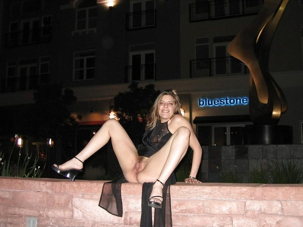 Public up skirt no panties-1470
