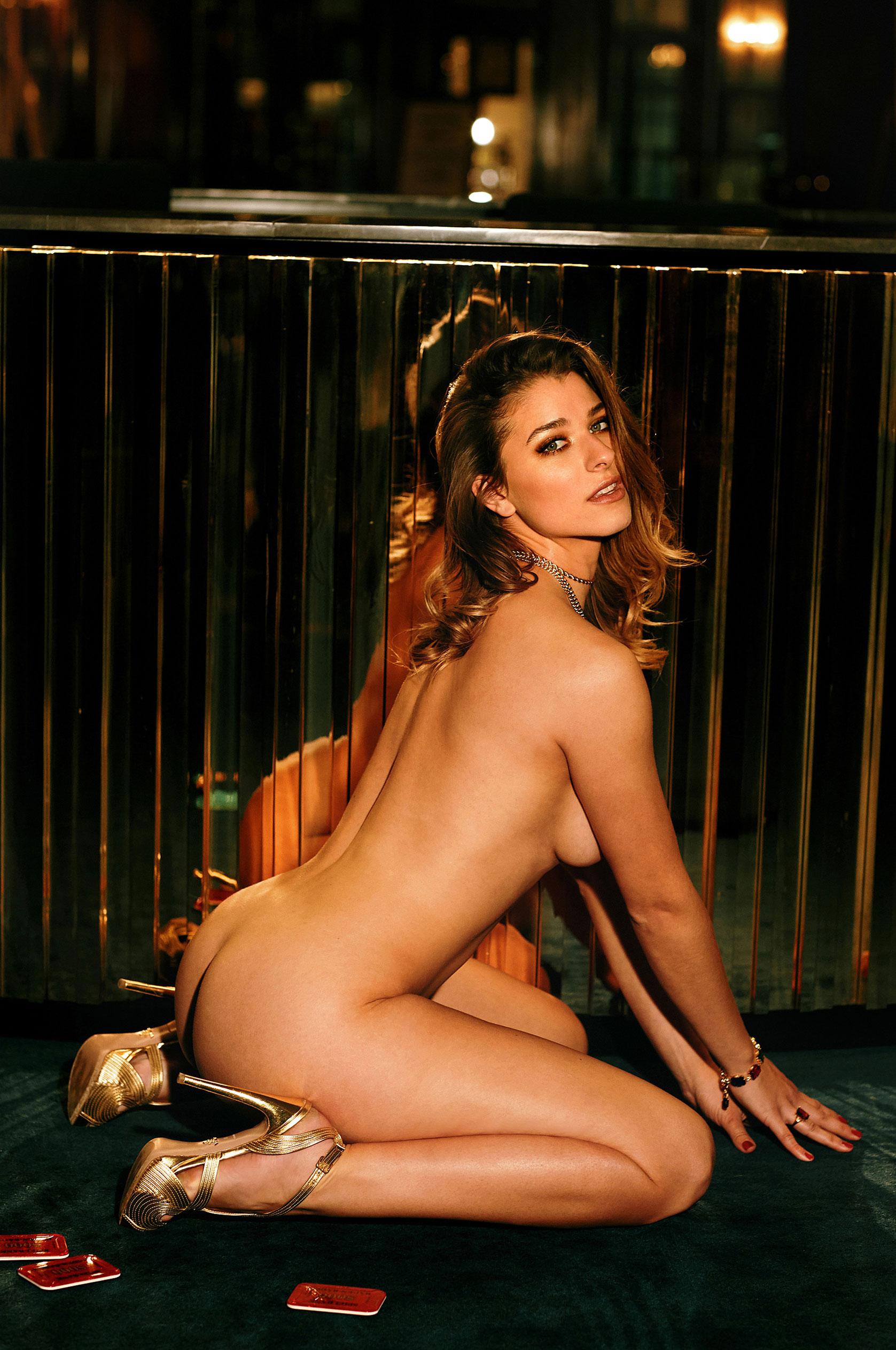 Девушка 2020-го года в Playboy Германия - Стелла Тиана Стегманн / фото 06