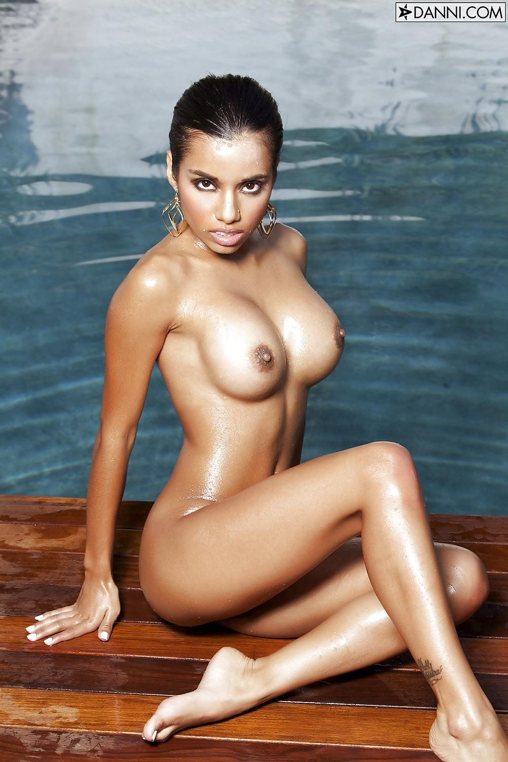 Lupe fuentes feet-7053