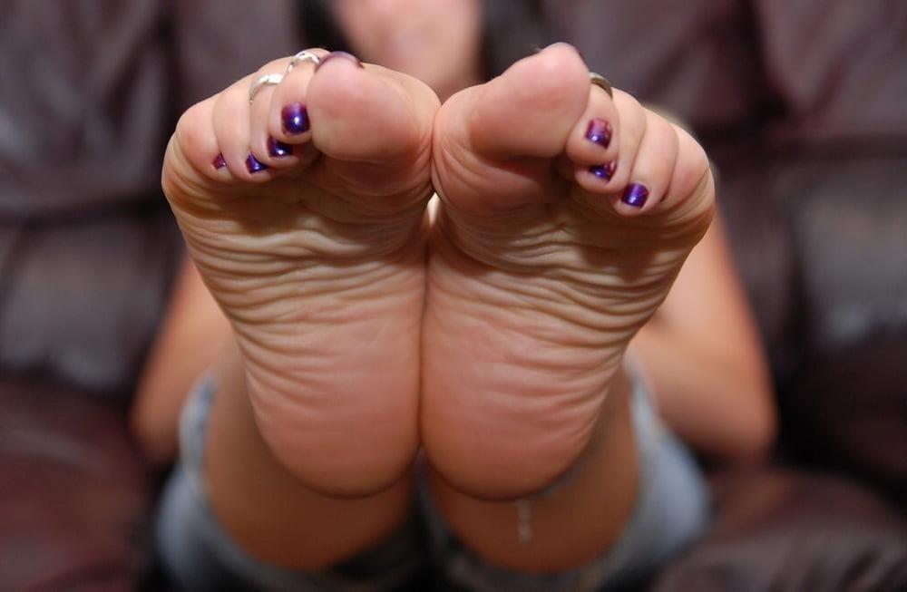Mature foot fetish pics-4590