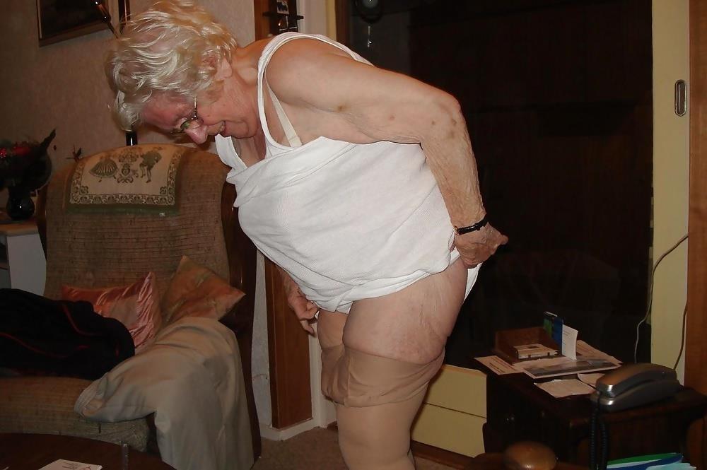 Chubby old granny porn-8209