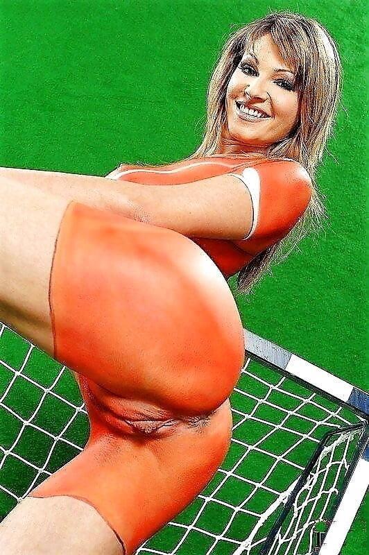 Hot nude babes big tits-8818