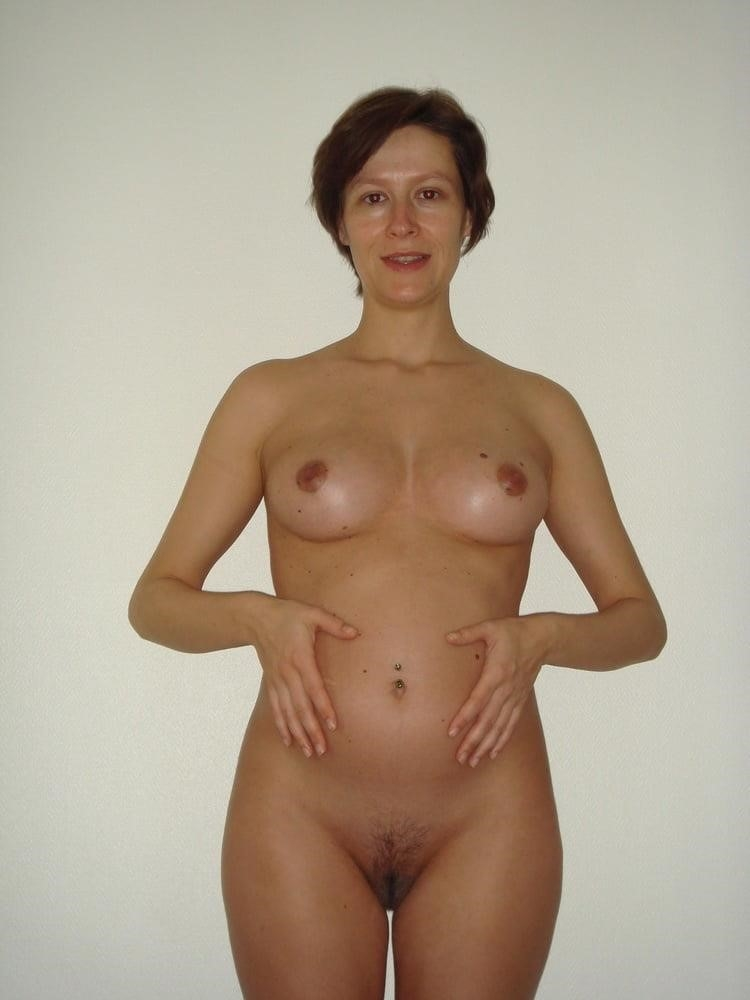 Sharp pain in left breast during pregnancy-3432