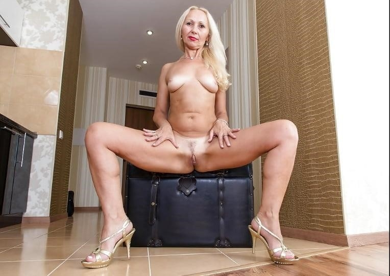 Mature high heels pictures-5118