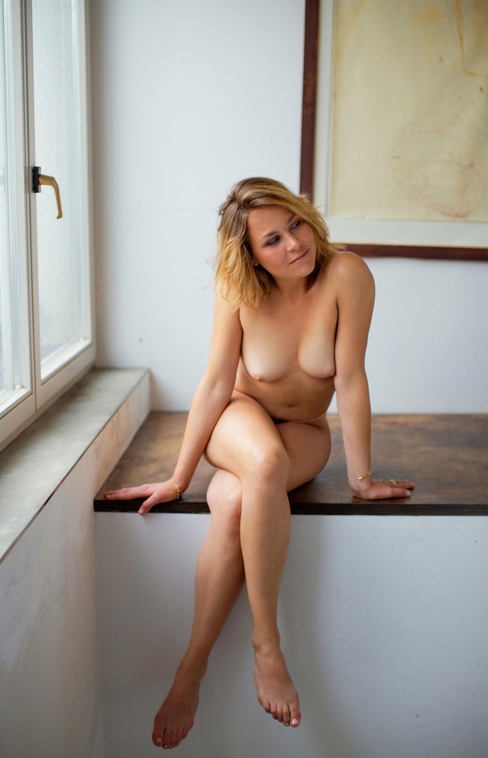 Актриса Франциска ван дер Хейде в журнале Playboy Германия, сентябрь 2020 / фото 05