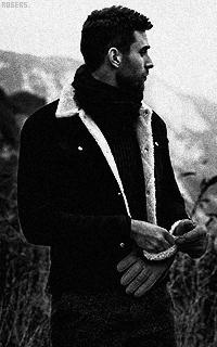 Oliver Jackson-Cohen GlnGhab9_o