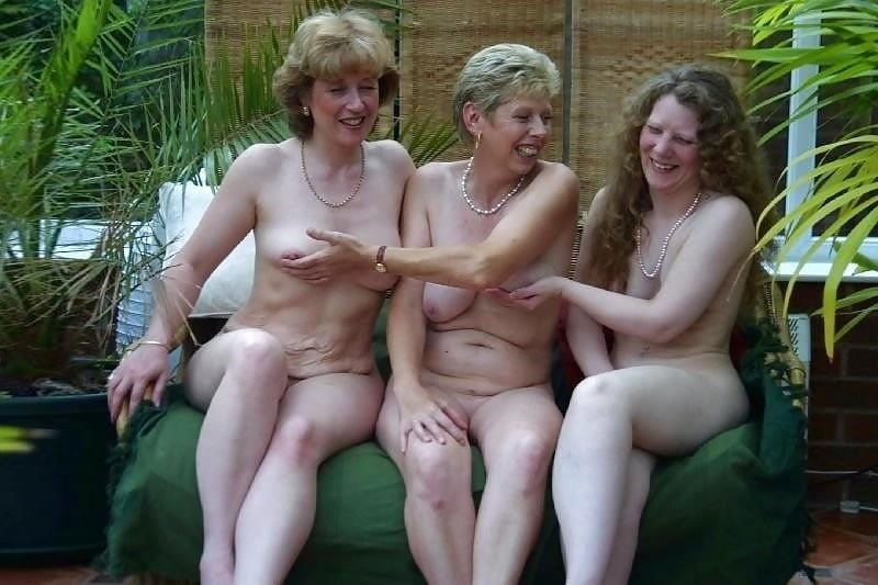 Nude mature lesbians-2452
