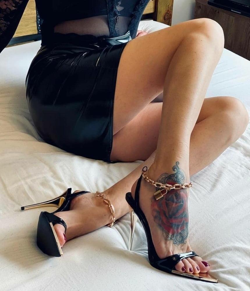 Hot feet domination-9308