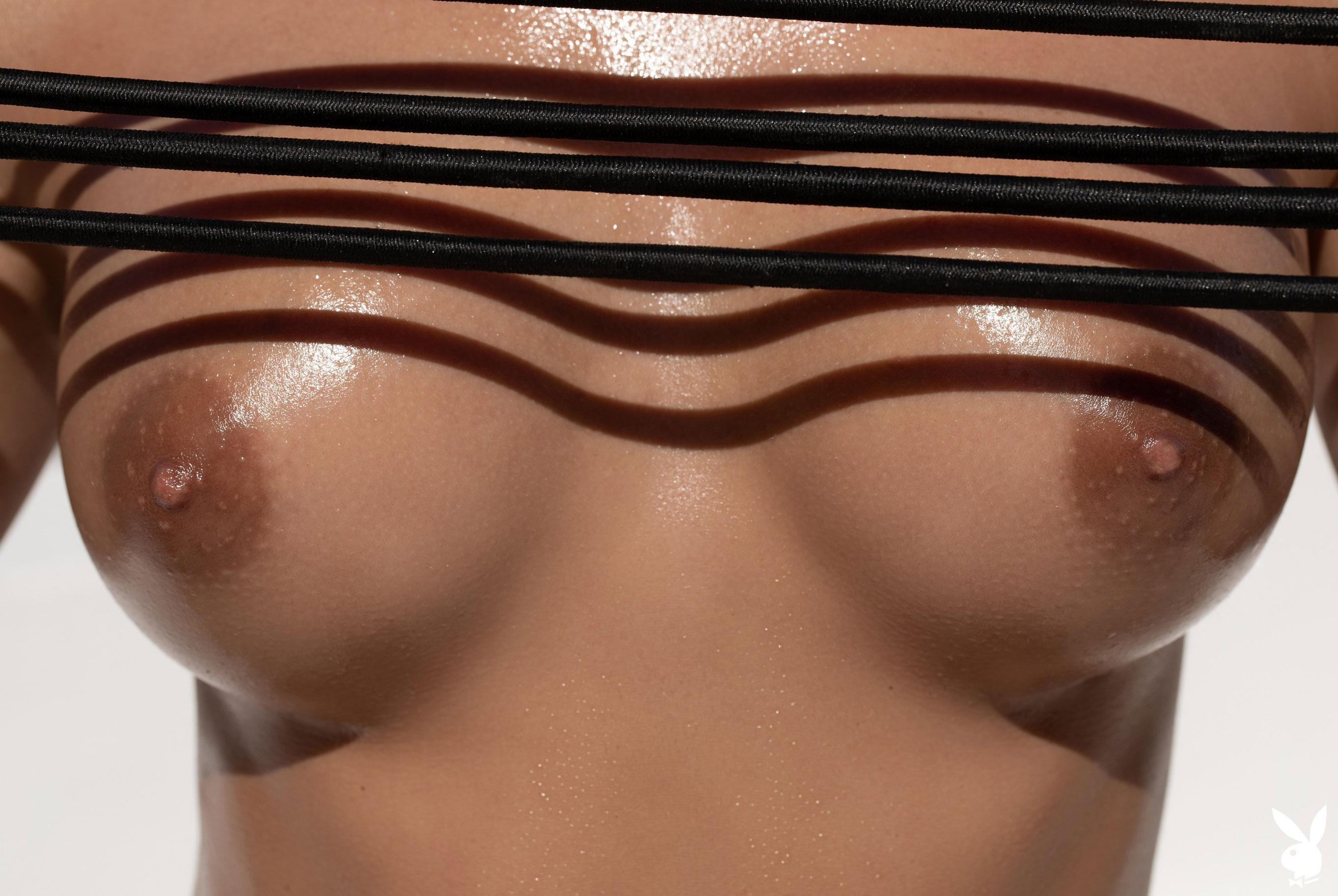 Зарядка на свежем воздухе с сексуальными и голыми Юлей и Мариной / фото 16