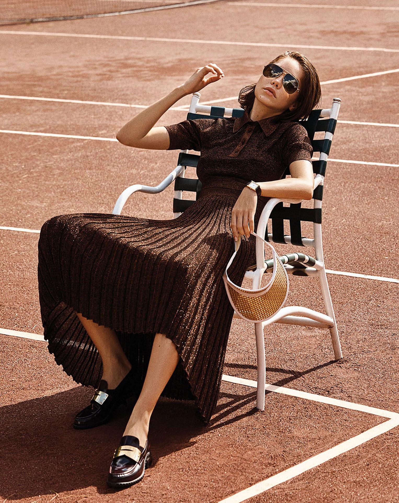 -Королева кортов- Мишель Дантас в модной одежде спортивного стиля / фото 06