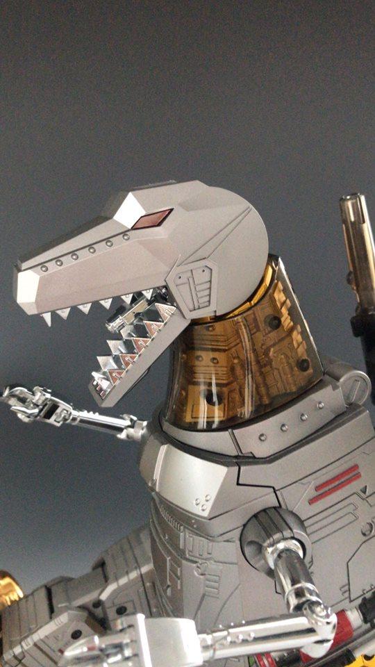 [GigaPower] Produit Tiers - Jouets HQ-01 Superator + HQ-02 Grassor + HQ-03 Guttur + HQ-04 Graviter + HQ-05 Gaudenter - aka Dinobots - Page 7 HKxW9AnZ_o