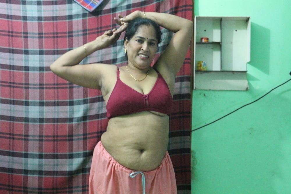Reshma aunty nude-6039