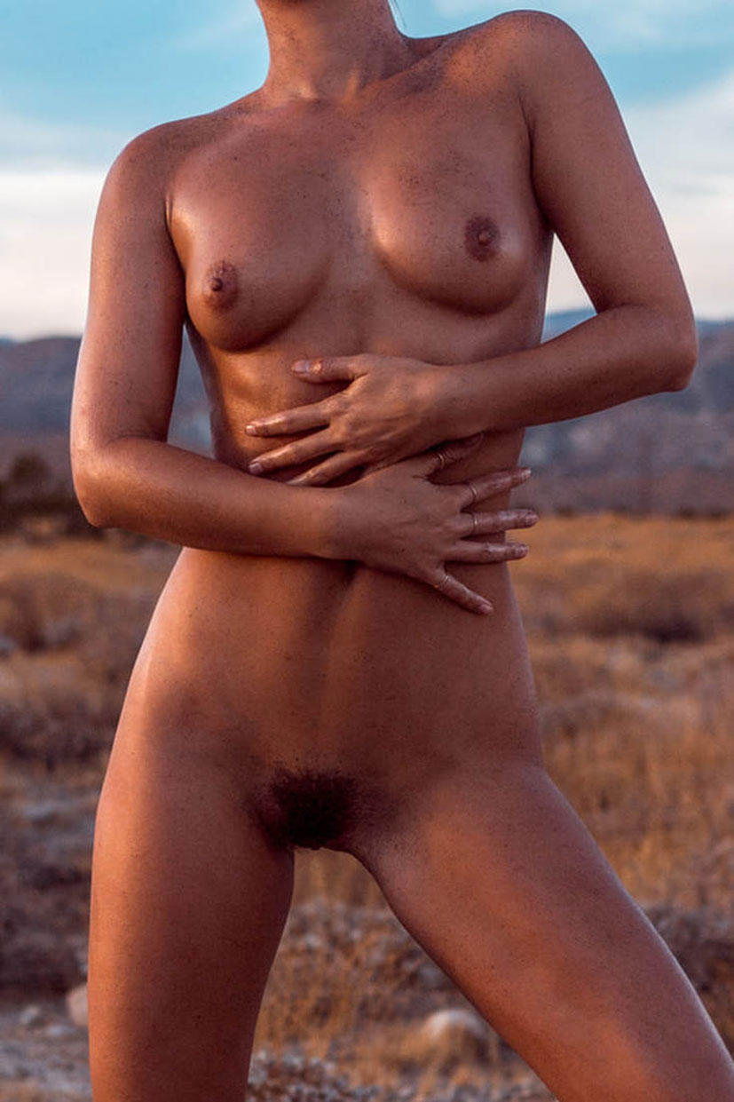 Marisa Papen nude by Ben Horton / Desert Wanderer