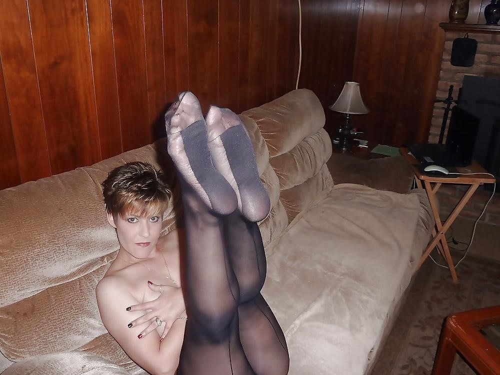Mature women in stockings porn-4563