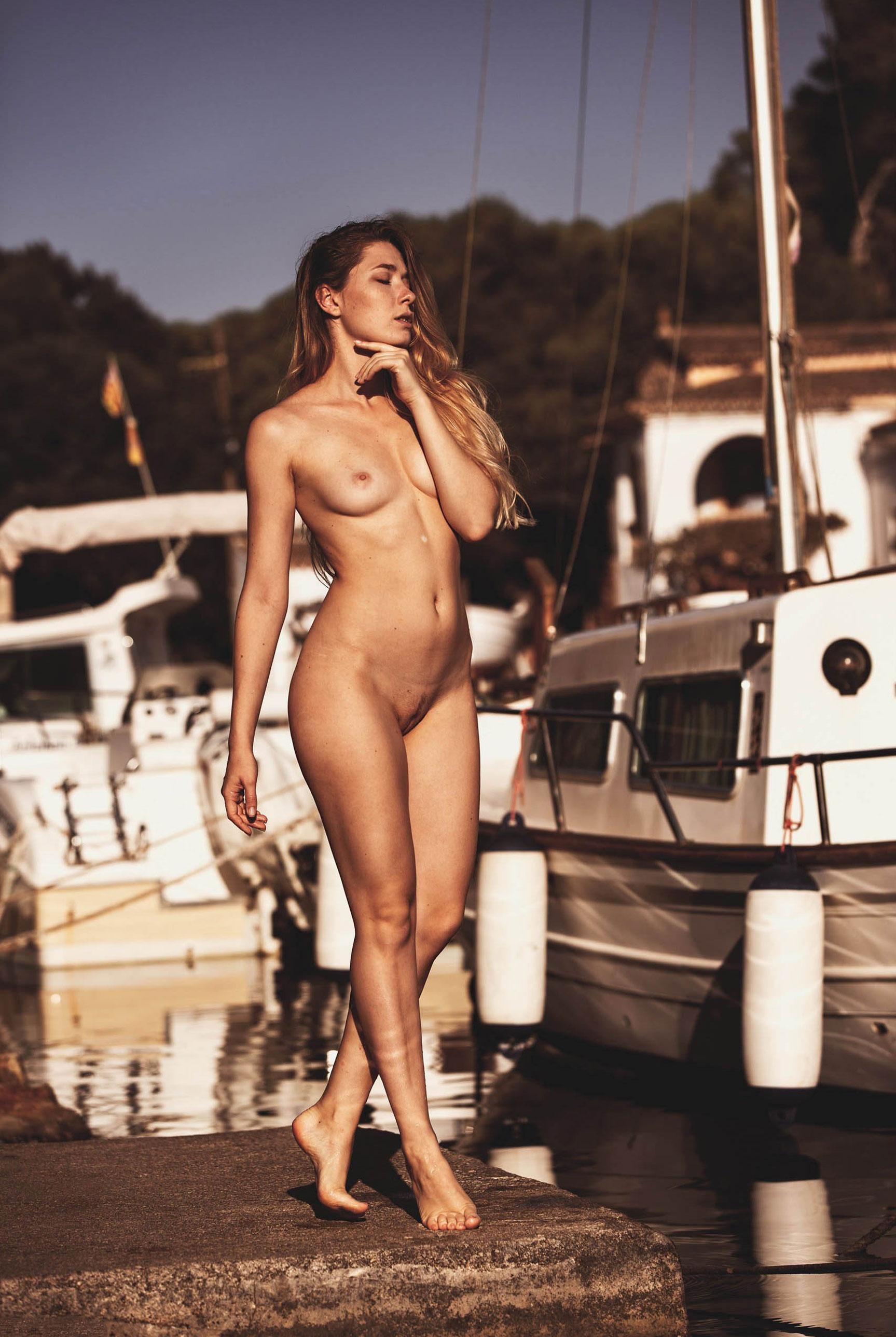 подборка фотографий сексуальных голых девушек - Harbor Morning