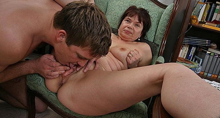 Old women sex with yung boy-9323