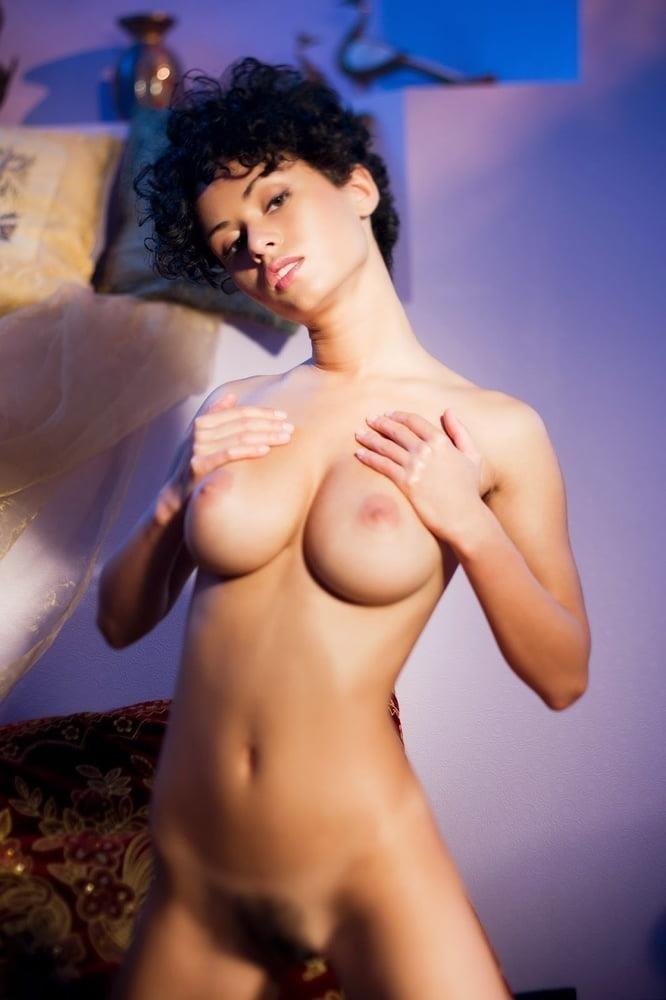 Nude girls with pretty feet-3658