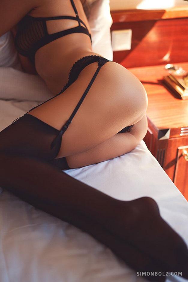 Сильвия Лорем в сексуальном черном нижнем белье / фото 09