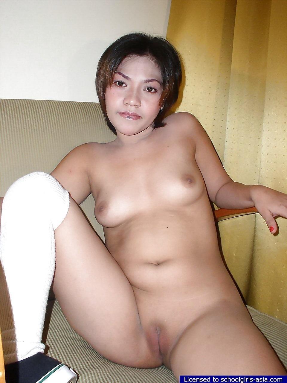 Asian schoolgirl kissing-4492