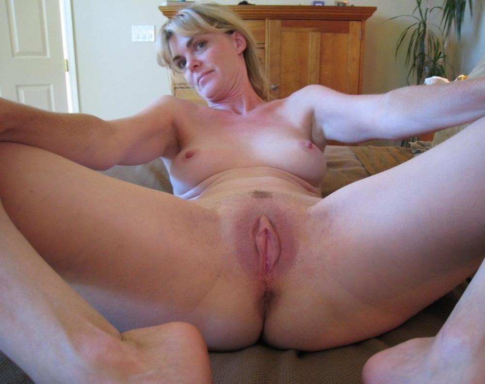 Free pics naked mature women-1407