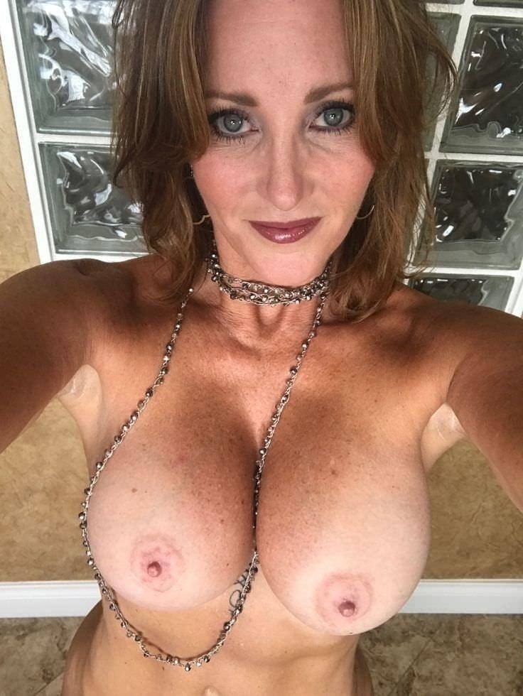 Mature moms selfies-4360