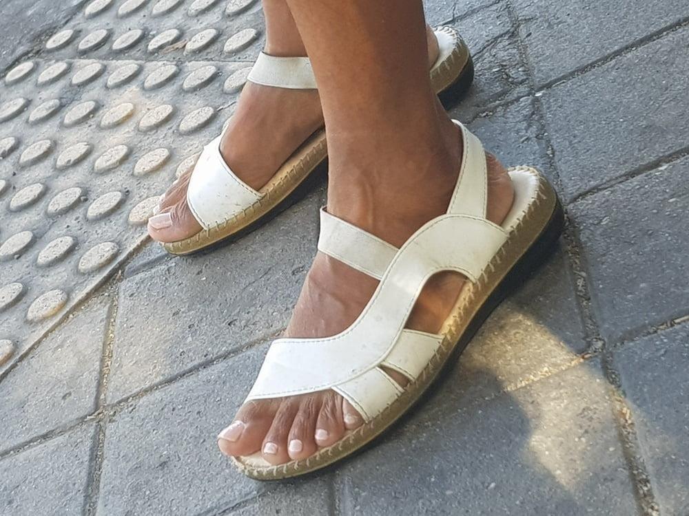 Black mom feet porn-4428