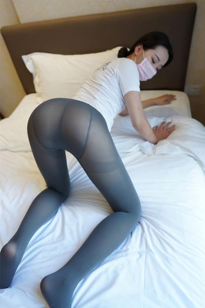 Japanese pantyhose feet-2871